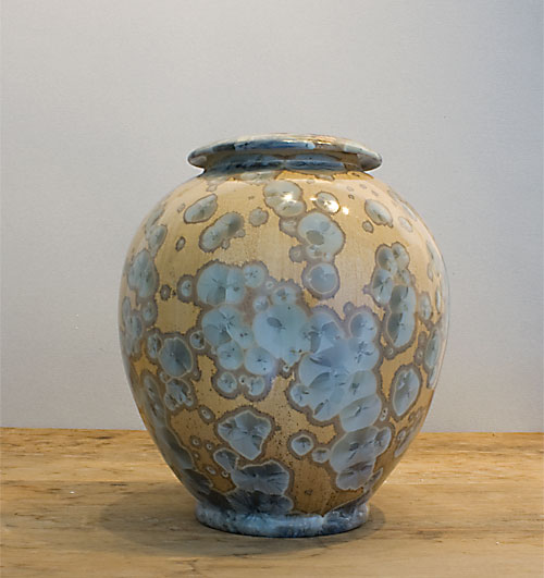 Extra large gold urn with silver crystals